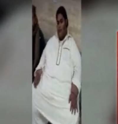 لاہور: ڈاکٹروں نے تین سو کلو وزنی جاوید کے معدے کا سائز چھوٹا کر دیا