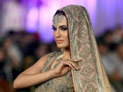 نادیہ حسین نے اپنا کیرئیر قربان کرنےکا فیصلہ کر لیا