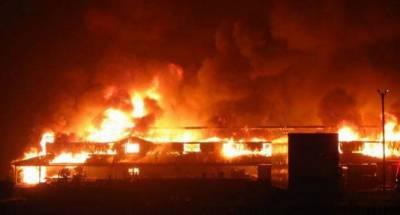 کشمیر کی وادی لیپہ میں خوفناک آگ سے 90دکانیں اور درجنوں گاڑیاں جل گئیں
