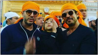 شاہ رخ خان رئیس کی کامیابی کے بعد ماتھا ٹیکنے گولڈن ٹیمپل پہنچ گئے