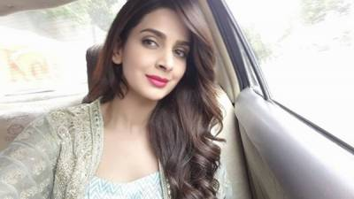 اداکارہ نیلم منیر کے بعد صباءقمر بھی منظر عام پر آ گئی