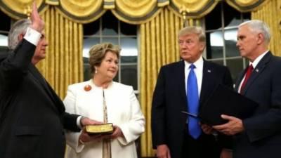 ریکس ٹِلرسن نے بطور امریکی وزیرِ خارجہ کے عہدے کا حلف اٹھا لیا