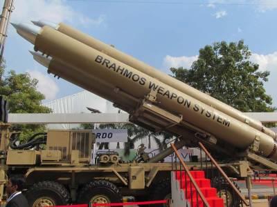 بھارت نے اسلحے کی خریداری کیلئے200 ارب مالیت کے ہنگامی سودوں پر دستخط کر دئیے