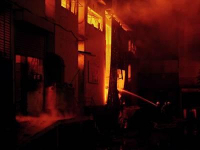 سائٹ ایریا کےگودام میں لگی آگ پر 14گھنٹوں بعد قابو پالیا گیا