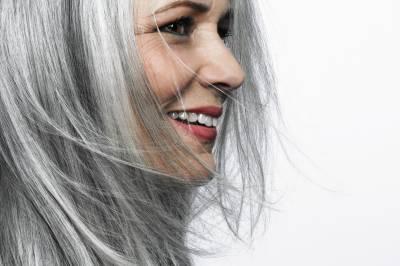 تمباکو نوشی سے بال جلد سفید ہونے شرو ع ہو جاتے ہیں : ماہرین
