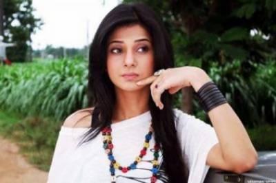 معروف بھارتی اداکارہ جینیفر ونگیٹ ڈرامے کی شوٹنگ کے دوران جھلس کر زخمی ہوگئیں
