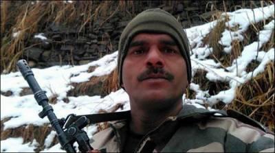 تیج بہادر کے فیس بک پر 500 پاکستانی دوست ہیں، بھارتی اخبار