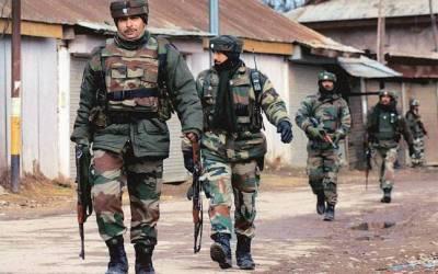 قابض بھارتی فوج اور مسلح کشمیریوں میں جھڑپ آٹھ افراد شہید