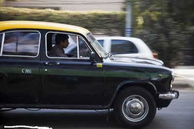ٹیکسی ڈرائیور نے بے رحمی کی انتہا کر دی ،معصوم بچہ جاں بحق