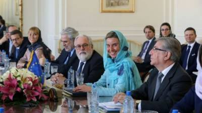 سویڈن کی وزیر تجارت کوایران میں حجاب پہننے پر تنقید کا سامنا