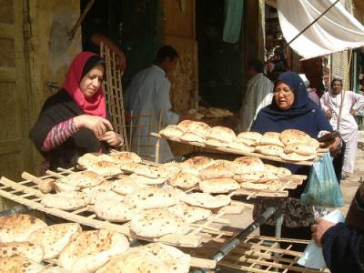 سعودی عرب نے آٹے اور روٹی پر جاری سبسڈی میں کمی نہ کرنے کا اعلان کر دیا