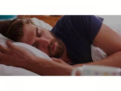 رات کو اس پوزیشن میں سونے میں آپ بڑھاپے کا شکار ہو سکتے ہیں