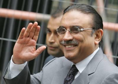 سابق صدر آصف علی زرداری دبئی سے کراچی پہنچ گئے