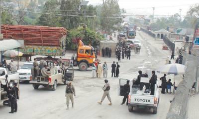 پاک افغان طورختم بارڈر غیرمعینہ مدت کیلئے بند