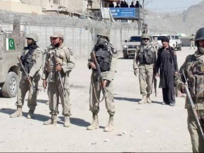 پاک افغان سرحد پر سیکیورٹی سخت، طورخم بارڈر پر بھاری توپ خانہ پہنچا دیا گیا