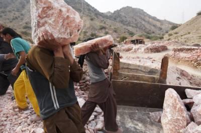 میانوالی: کالا باغ میں نمک کی کان گر گئی، 2 مزدور ملبے تلے دب گئے