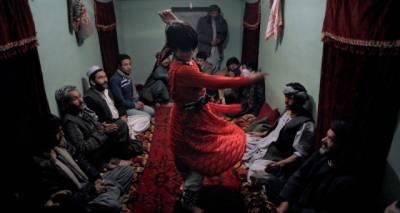 افغانستان میں بچوں کو جنسی غلام بنانے والوں کے لیے سخت قانون سازی کا فیصلہ