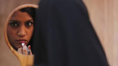 """نسوانیت پر مبنی بھارتی فلم """"لپ سٹک انڈر مائی بُرقعہ"""" بھارتی سنسر بورڈ کی جانب سے رد!"""
