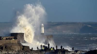 برطانیہ: سمندری طوفان