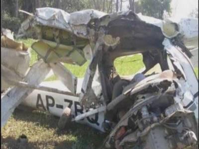 فیصل آباد ایئر پورٹ پر نجی فلائنگ کلب کا تربیتی طیارہ گر کر تباہ ،ٹرینی پائلٹ جاں بحق