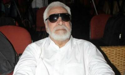 اداکار قادر خان غلط سرجری ہونے کے باعث وہیل چیئر کے پابند ہوگئے ہیں