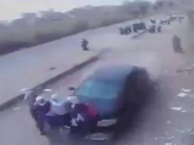 مصر میں تیز رفتار کار سے اسکول طالبات زخمی
