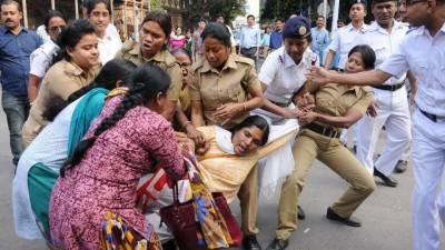 غیر ملکیوں کو بھارتی بچوں کی فروخت،حکمراں جماعت بی جے پی کی رہنما گرفتار