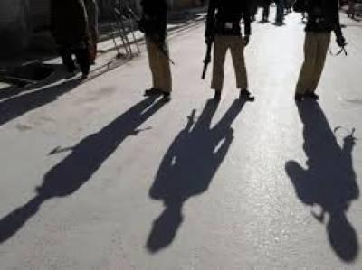 مردان میں خودکش حملہ آور ہونے کا شبہ، پولیس فائرنگ سے مزدور ہلاک