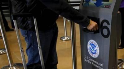 امریکی شہریوں کا یورپ میں ویزا فری داخلہ روکا جائے: اراکین پارلیمنٹ