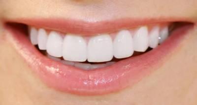 صاف اور صحت مند دانتوں کیلئے سادہ احتیاطی تدابیروں پر عمل کریں