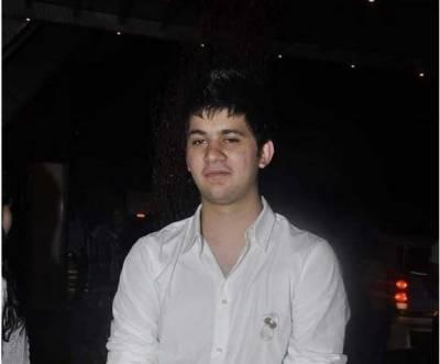 سنی دیول کے بیٹے کرن دیول بھی بالی ووڈ میں جلد ہی انٹری کرنے جارہے ہیں