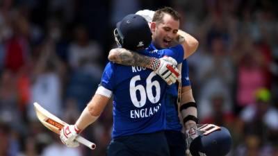 انگلینڈ نے ویسٹ انڈیز کو آخری ون ڈے میں شکست دیدی
