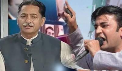 عمران خان نے جاوید لطیف کا سماجی بائیکاٹ کرنے کا اعلان کر دیا