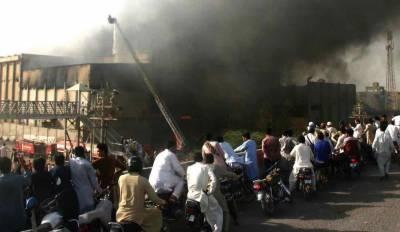 کراچی گارمنٹس فیکٹری میں لگی آگ پر قابو پا لیا گیا