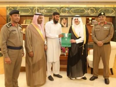 سعودی عرب میں پاکستانی ڈرائیور سے دمام گورنرکی ملاقات