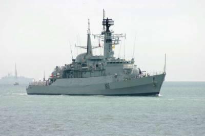 پاکستانی بحری بیڑہ تین روز ہ مشقوں کے لیے ایرانی بندرگاہ پر پہنچ گیا