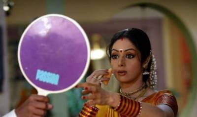 """کرن جوہر سری دیوی کی فلم """"موم"""" دیکھنے کے متمنی"""