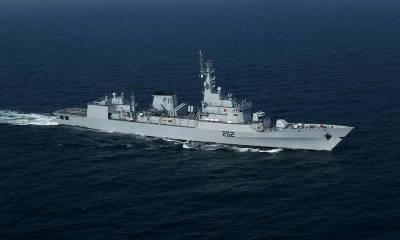 پاک بحریہ کے جنگی جہازوں نصر اور سیف کا کولمبو میں بندرگاہ کا دورہ