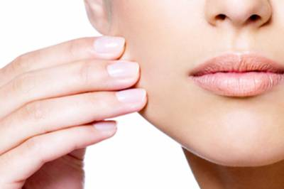 ایسی قدرتی چیز جسکے استعمال سے آپ کی جلد نے داغ اور صاف ہو جائے گی