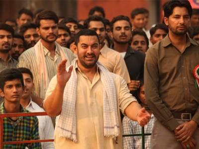 """عامر خان کو """"دنگل"""" کا دو ارب 10کروڑ روپے معاوضہ ملا"""