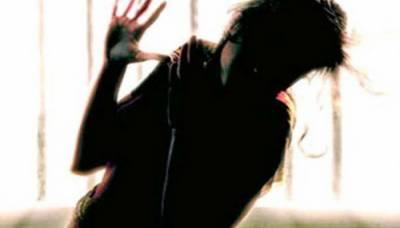 سٹیج اداکارہ میشام خان کو ساتھی اداکار گوشی ٹو نے زیادتی کا نشانہ بنا ڈالا