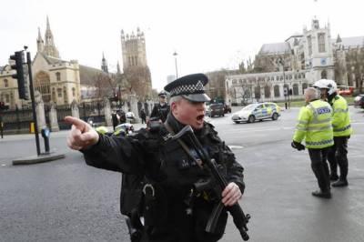 برطانوی پارلیمنٹ کے باہر فائرنگ سے 12 افراد زخمی