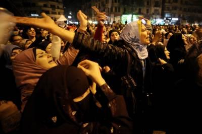 لندن میں با حجاب خواتین کا ہاتھوں کی زنجیر بنا کر دہشت گردی کے خلاف احتجاج
