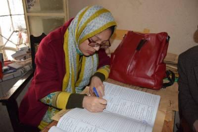 پاکپتن کے نوجوان سے شادی کرنے والی خاتون کی شوہر کے ہمراہ چین واپسی پر والدین کا والہانہ استقبال