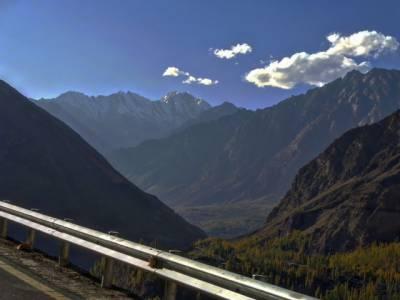 پاکستان کی خوبصورت وادیاں اور انکے رنگوں نے دیکھنے والوں کو ہلا کر رکھ دیا