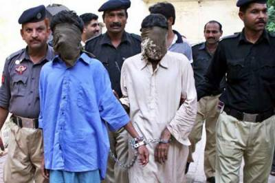 کراچی: بچوں کے اغوا کیس کی سماعت،ملزمان کو7 اپریل تک عدالتی تحویل پر جیل بھیجنے کا حکم