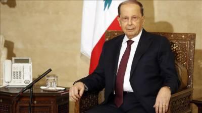 یاد گار گروپ فوٹو بنواتے ہوئے لبنانی صدر گر گئے