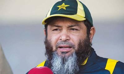 ٹیسٹ ٹیم میں یاسر شاہ اور شاداب خان جیسے اچھے سپنرز ہیں: مشتاق احمد