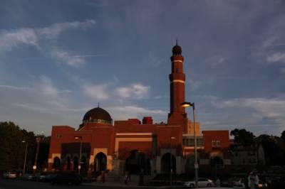 مساجد کے دروازے غیر مسلموں کیلئے کھول دیئے گئے