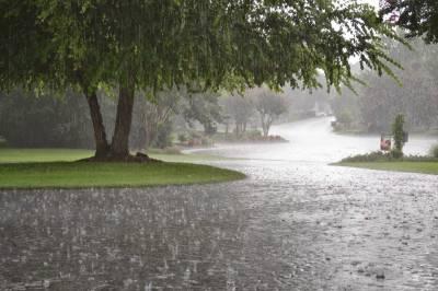 محکمہ موسمیات نے لاہور سمیت بالائی علاقوں میں آئندہ بارہ گھنٹوں کے دوران بارش اور آندھی کی پیشگوئی کردی